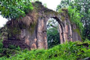 Ruines de la guerre - © D. Raynal