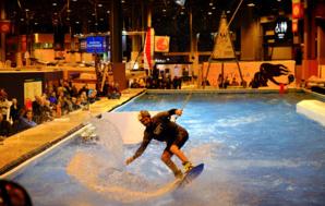 vague de surf dynamique sur le Spot du Nautic