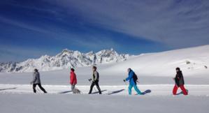 Marche nordique sur neige sur le domaine Oz-Vaujany - © Office du Tourisme