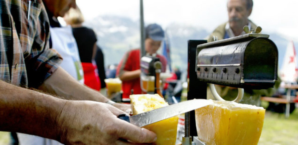 Ambiance raclette - Anniviers - © Valais Suisse