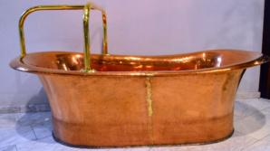 Baignoire en cuivre de plus de 150 ans - © D. Raynal