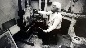 Robert Tatin dans son atelier - © © Musée Robert Tatin