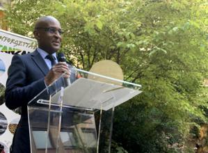 L('ambassadeur de Tanzanie en France, Samwel W. Shelukindo, lors de sa conférence dans sa résidence à Paris © DR