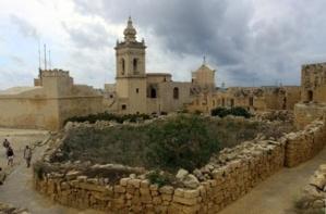 Le clocher de l'une des églises de Rabat au centre de l'île de Gozo (photo David Raynal)