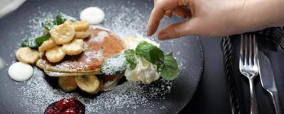 L'Espace San Bernardo, unique dans les Alpes du Nord, relie depuis 1984 La Rosière à La Thuile (Val d'Aoste-Italie). A l'Alpen Lodge, restaurant bistronomique « Brenva » propose en circuit court de la charcuterie, des vins, des fromages frais, et même de la farine, venus d'Italie© MGM