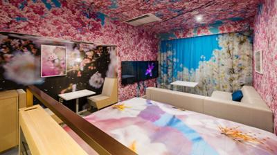 """© Ninagawa Mika """"Concept Room 152"""" Hotel Anteroom Kyoto - © JNTO"""