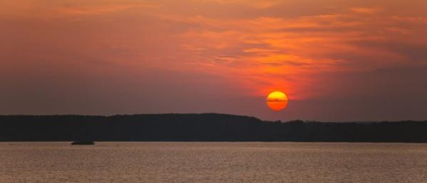 Coucher de soleil sur le Danube - ©  Luka Sarac