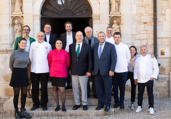 Le jury présidé par Guillaume GOMEZ, Meilleur Ouvrier de France et représentant personnel du Président de la République pour la gastronomie, l'alimentation et les arts culinaires - © DR