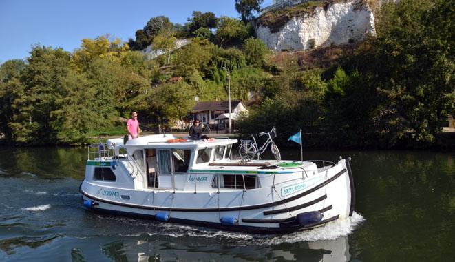 Croisière fluviale sur l'Yonne entre Joigny et Sens - © D. Raynal