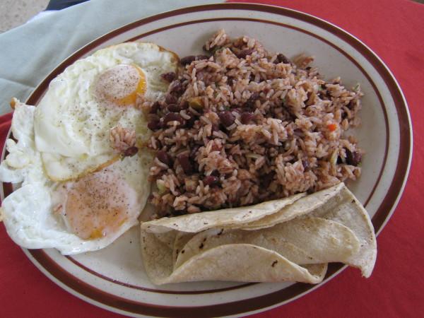 Au Costa Rica, c'est le Gallo Pinto qui est très connu et savouré au petit-déjeuner. Crédit photo D.R.