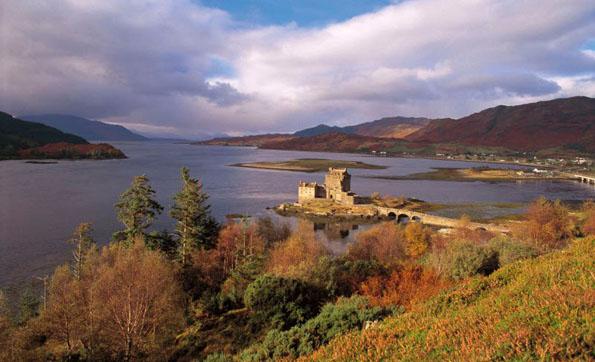 Eilean donan castle - Highland - © Visit Scotland
