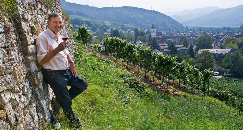 Fritz Wassmer dans ses vignes - © D.R.