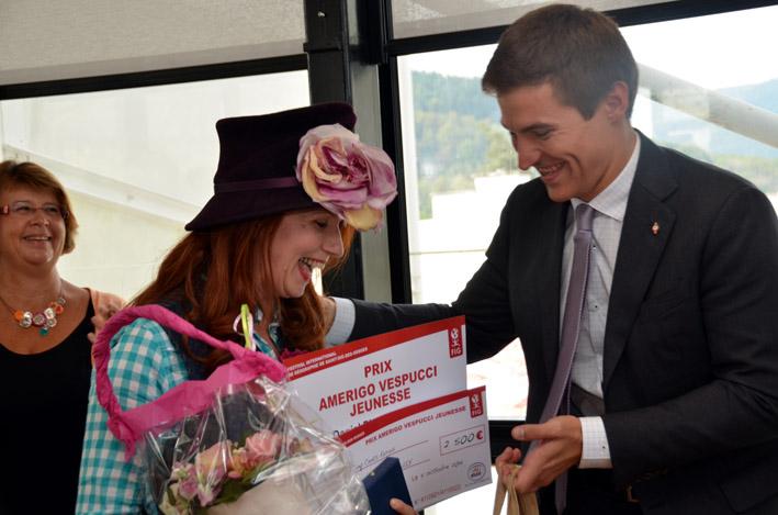 Le maire David Valence remet le traditionnel prix littéraire Amerigo Vespucci © FIG