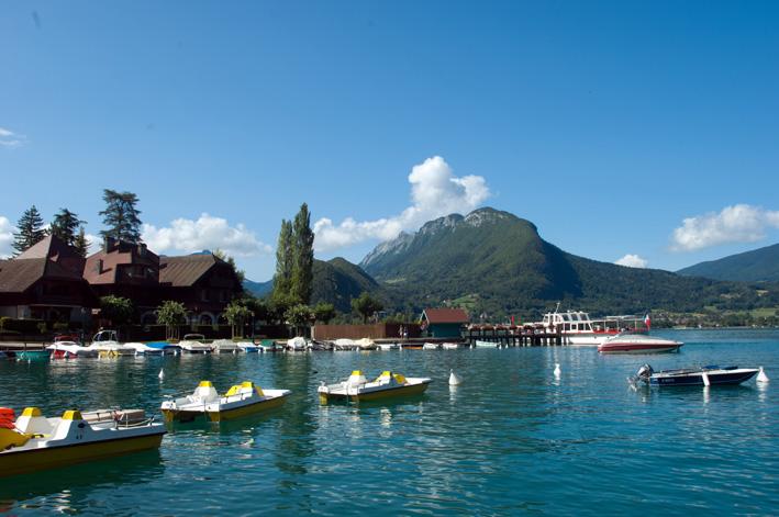 Auberge du Père Bise dans la baie de Talloires - © Lac Annecy Tourisme / C. Max