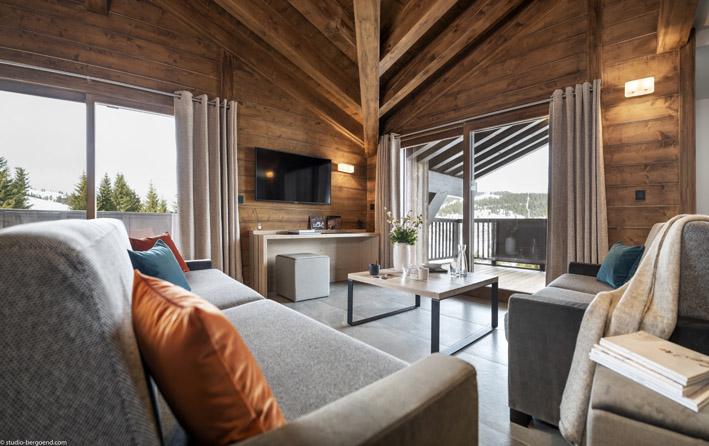 Les Saisies est une station-village familiale située à 1650 m d'altitude dans un cadre enchanteur entre Mont-Blanc, Aravis et Beaufortain -MGM Amaya - Les Saisies - © Studio Bergoend
