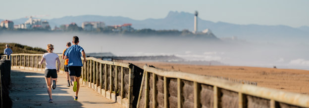 Running sur la promenade du littoral - © RiBLANC