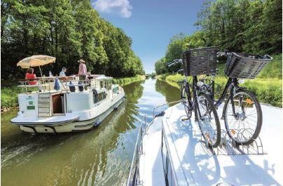 """Locaboat au fil de l'eau vers un """"slow tourisme"""" actif"""