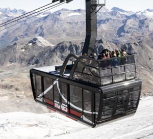 Tignes s'équipe du plus grand téléphérique-terrasse au monde