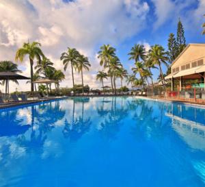 Dans les Îles de Guadeloupe, le premier hôtel ouvre le 3 juillet