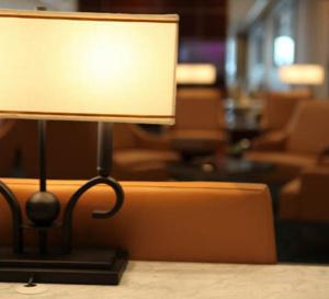 Emirates inaugure son premier salon rénové à Roissy CDG